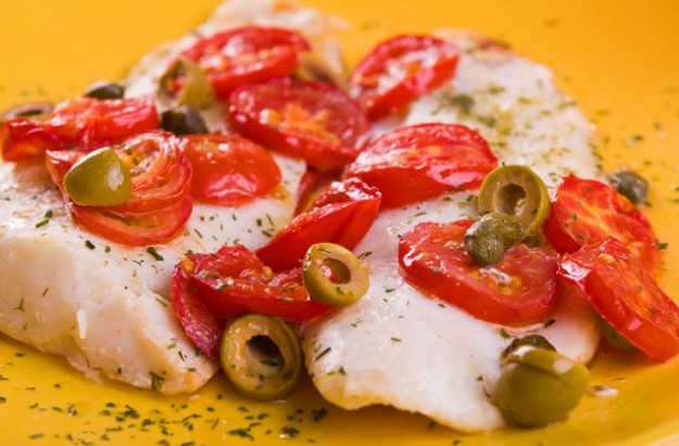 Oven-baked-fish-with-tomatoes-and-olives