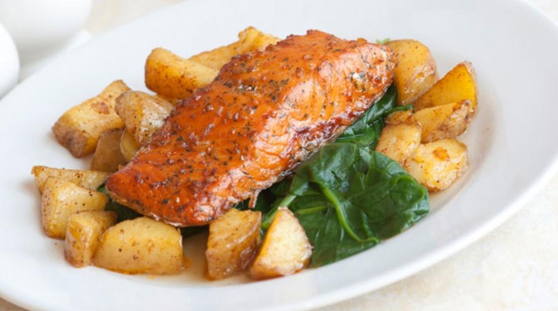 Si te gatuajme salmon me patate?