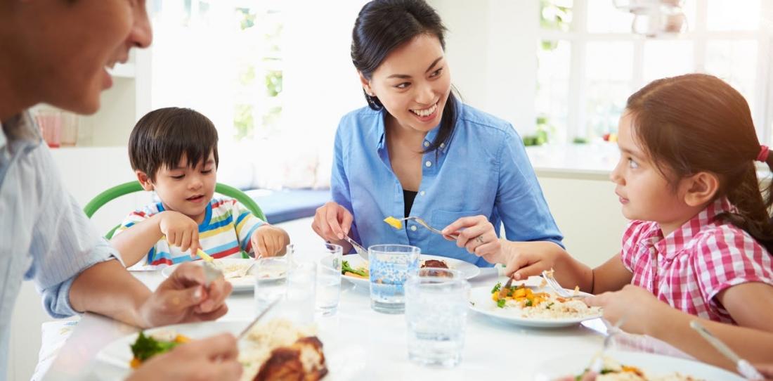 femija ne tryeze ushqyerja