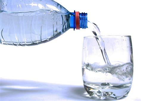 pirja e ujit nga femijet