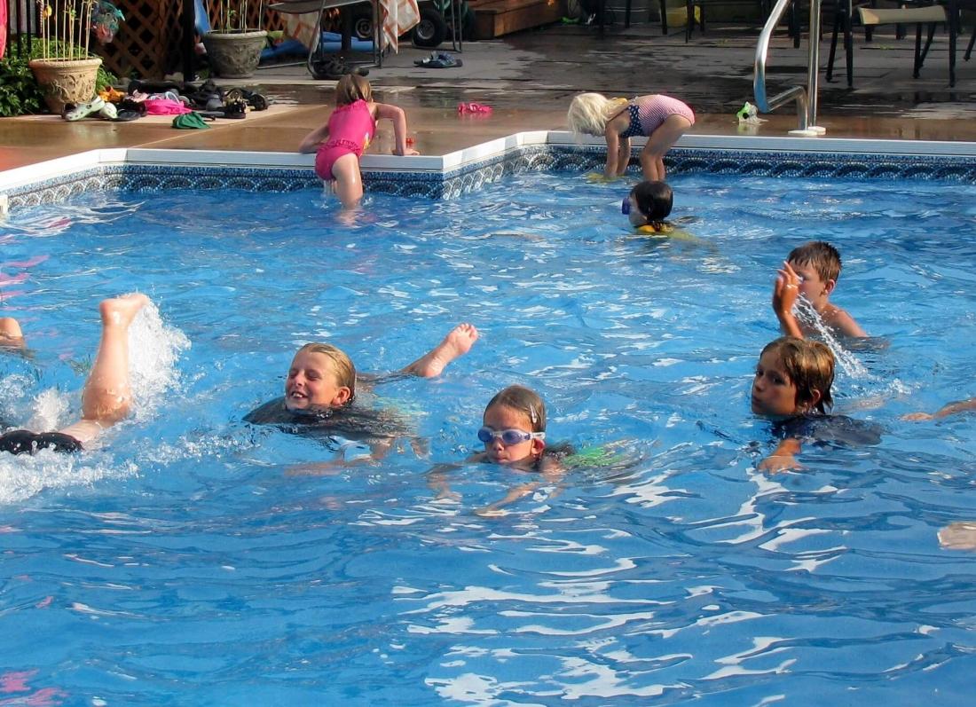siguria e femijeve ne pishina mbyt not