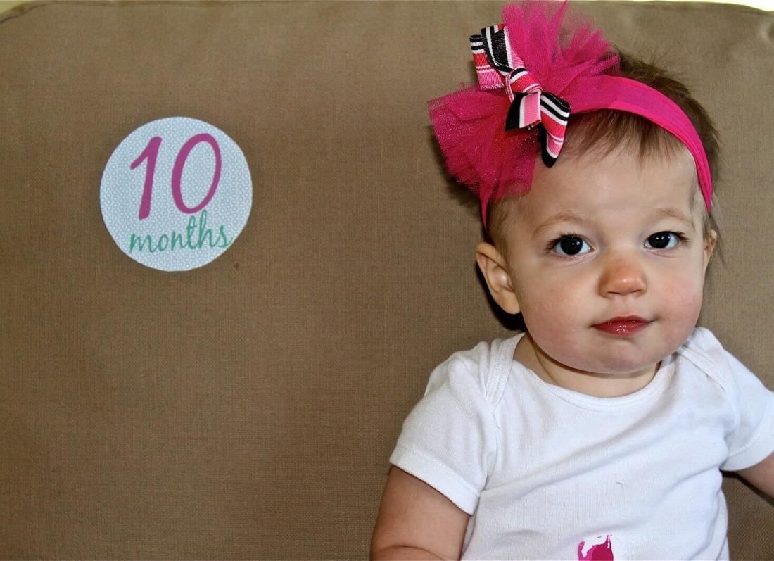 femija 10 muajsh, bebi 10 muajsh, foshnja 10 muajshe