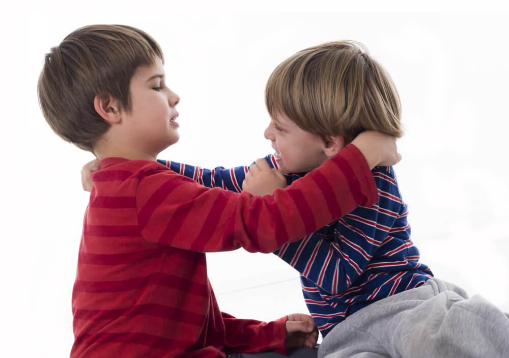 femije te dhunshem, femija i kerkon gjerat me dhune
