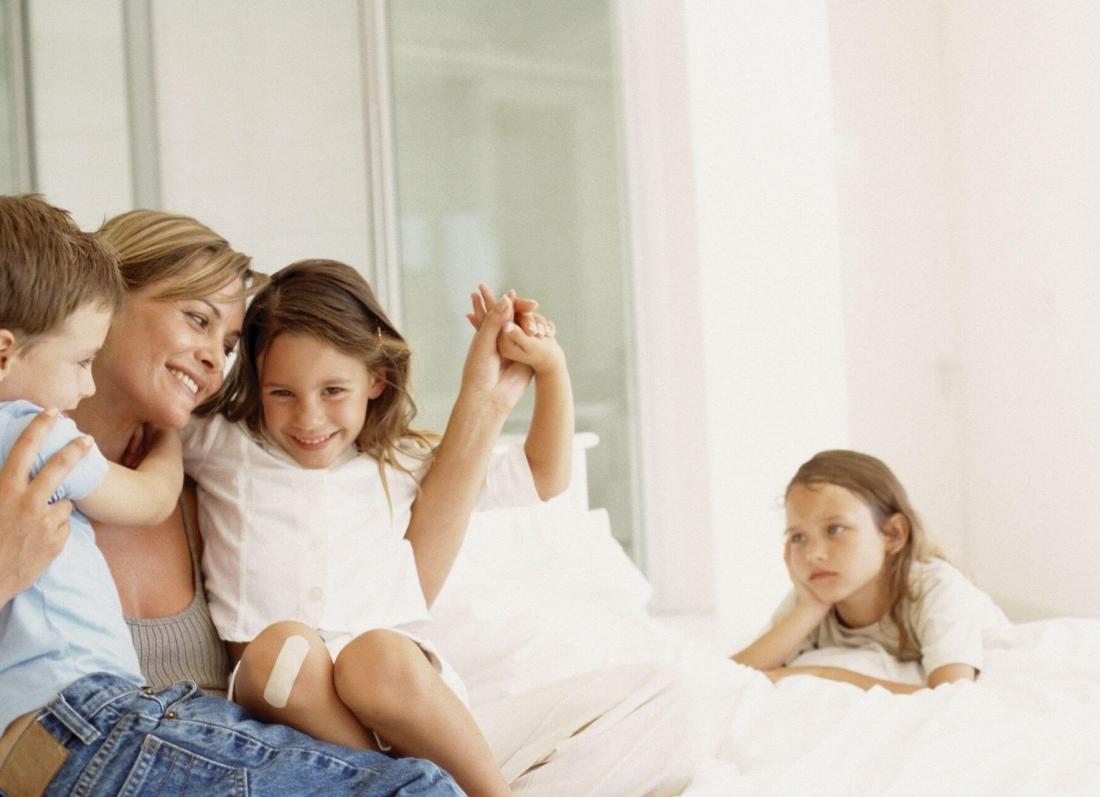 femija i preferuar ne familje, nena, babai, vajza, djali