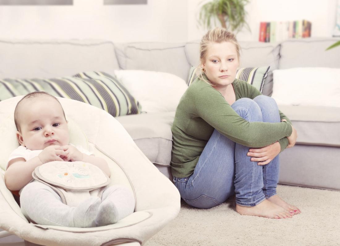 shenjat qe nuk duhet te anashkaloje nje nene e re, shenjat e para pas lindjes, depresioni pas lindjes