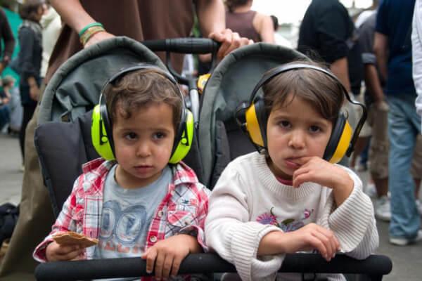 femijet ne mes te zhurmes