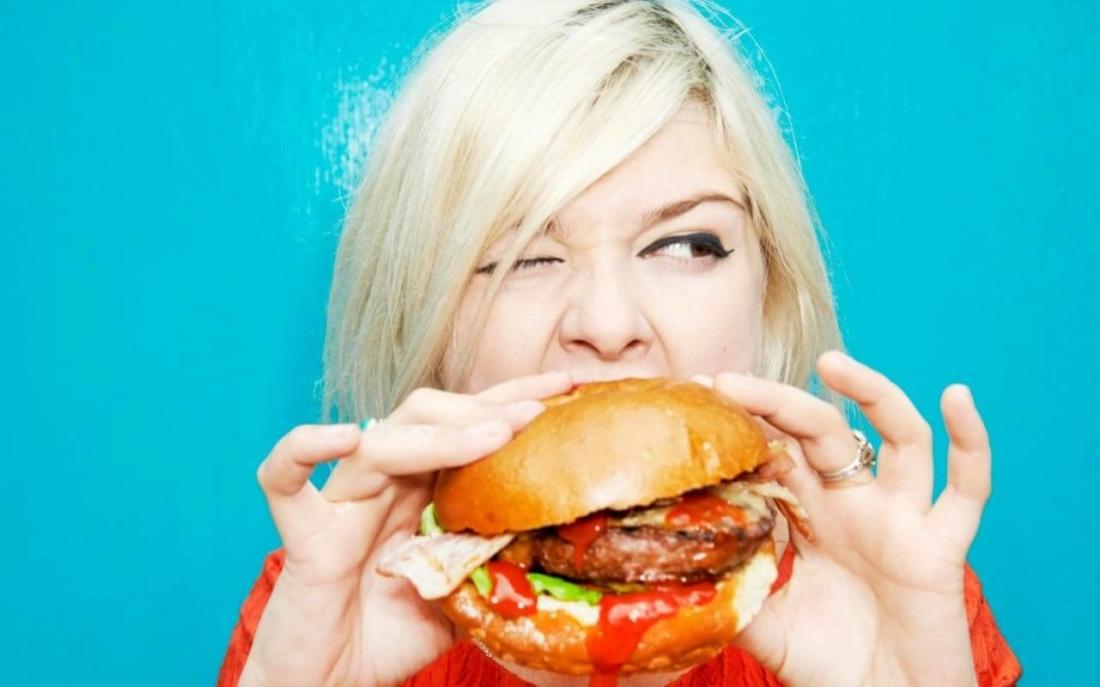 ushqimet qe ndikojne ne psikologjine tone